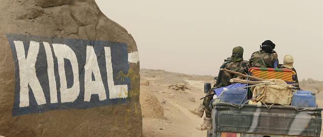 Les membres du comite de suivi de l'accord de paix (CSA) avaient pour la premiere fois prevu de delocaliser leurs travaux mensuels le 17 septembre a Kidal dans le nord du pays.