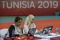 L'élection présidentielle qui se déroule actuellement en Tunisie huit ans après la Révolution passionne la rue algérienne embourbée dans une crise politique qui semble sans issue...