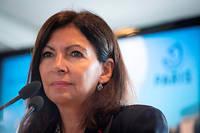 AnneHidalgo incite les Parisiens à se prendre «en charge» face au problème du manque de propreté.