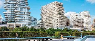 La nouvelle ZAC Clichy-Batignolles (Paris 17 e ) mêle immeubles d'habitation, bureaux, bâtiments administratifs (palais de justice de Paris) et espaces verts (parc Martin-Luther-King).  ©Xavier POPY/REA