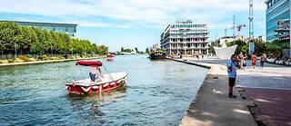 En pleine mutation, la commune de Pantin attire de plus en plus les bobos, notamment aux abords du canal de l'Ourcq, dopant les prix de l'immobilier.  ©Xavier POPY/REA
