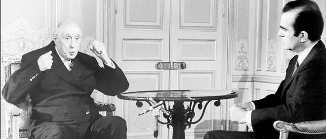 Charles de Gaulle donne un entretien à Michel Droit à l'Élysée le 7 juin 1968.