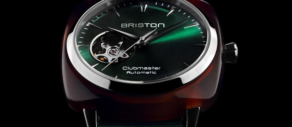 <p>Briston Clubmaster Iconic Open. Boîtier 40 mm écaille de tortue, mouvement automatique, cadran vert ouvert, bracelet NATO.</p> <p></p>