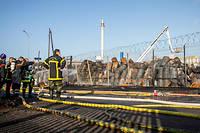Selon le préfet, il restait mardi à évacuer de l'usine Lubrizol «160fûts en état délicat».
