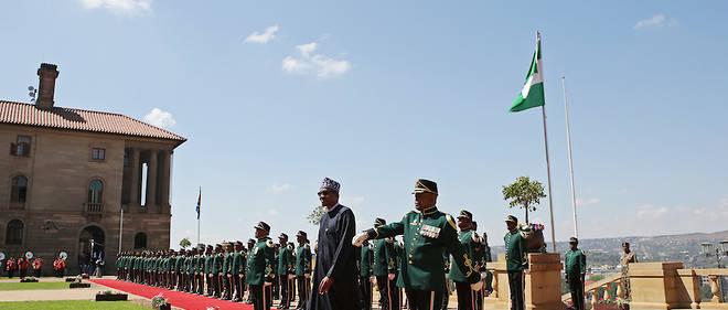 Le président nigérian Muhammadu Buhari est arrivé mercredi soir pour une visite de trois jours en Afrique du Sud. C'est la première visite officielle d'un chef d'État dans le pays depuis six ans.
