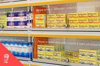 <p>L'Agence nationale de sécurité du médicament souhaite que plusieurs produits vendus sans ordonnance soient rangés derrière le comptoir des pharmacies (illustration).</p>