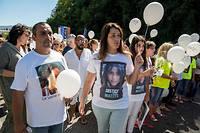 Les parents de Maëlys un an après la mort de leur fille, le 27 août 2018, pour une marche blanche. Le père et la mère de la fillette ne croient pas Nordahl Lelandais qui affirme que la mort de l'enfant est un accident.