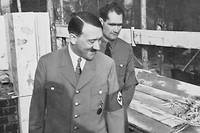 Rudolf Hess (au second plan) était l'un des plus proches collaborateurs d'Adolf Hitler