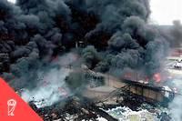 <p>L'usine Lubrizol de Rouen, ravagée par un incendie le 27 septembre 2019.</p>