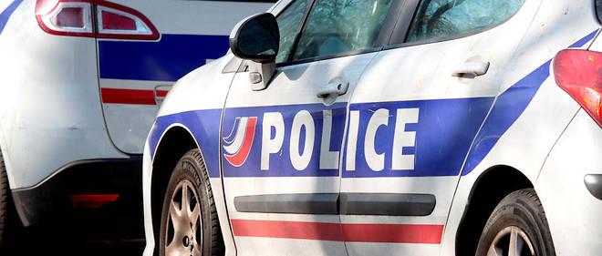 Dans sa fuite, le voleur a fait tomber un téléphone portable (photo d'illustration).