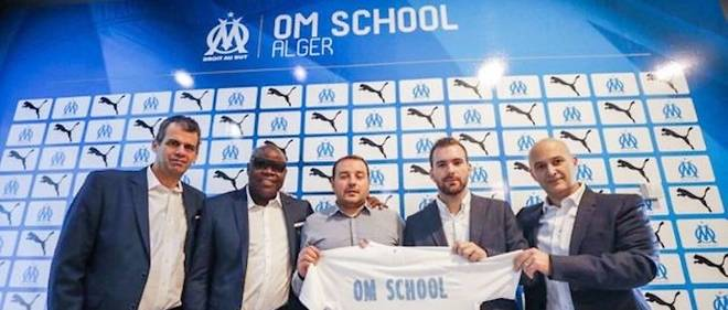 Un moment particulier que celui de l'ouverture de ce centre OM Alger en présence de Basile Boli, grande figure de l'OM, et Laurent Colette, directeur général du club.
