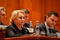 Une majorité de 238 élus sur un total de 465 se sont prononcés pour le départ de Viorica Dancila qu'ils ont traitée de «corrompue» et d'«incompétente»