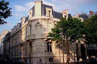 L'ecole a ete fondee le 6 octobre 1919 dans un hotel particulier du 17e arrondissement de Paris.