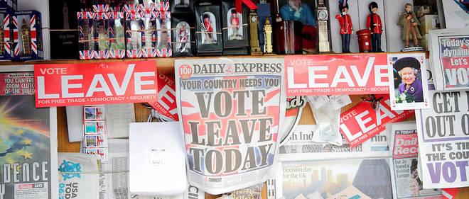 Les unes des journaux le jour du référendum.