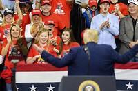 <p>Donald Trump s'est défendu sur tous les fronts devant une foule conquise.</p>