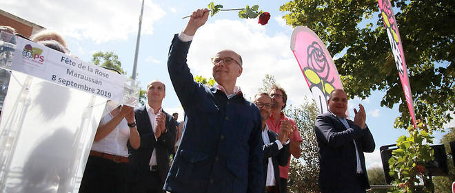 Bernard Cazeneuve lors de la Fête de la rose du Parti socialiste organisée par la fédération de l'Hérault en septembre 2019. Des airs de François Mitterrand...