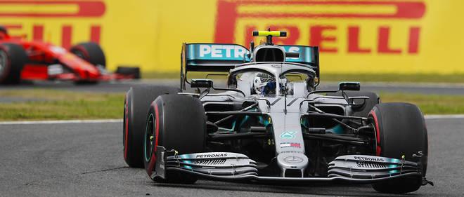 Mercedes et Bottas remportent championnat et victoire, mais Hamilton attend son heure pour le titre pilotes.