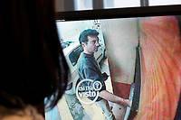Xavier Dupont de Ligonnès retire quelques euros à un distributeur automatique de Roquebrune-sur-Argens le 14 avril 2011. Le 21, les policiers découvrent les corps de sa famille sous la terrasse de la maison de Nantes.