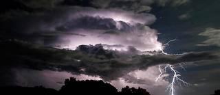 Météo-France invite tout le monde à la plus grande prudence lors du passage de ce phénomène orageux. (Photo d'illustration.)