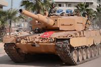Un char de conception allemande Leopard 2A4, appartenant à l'armée turque, en mars 2018 à Afrine en Syrie. Photo d'illustration.