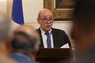 France-Turquie: match sous tension, Le Drian annule sa présence
