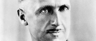 Le romancier anglais, Eric Blair, dit George Orwell.