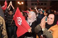 Nombreux étaient les Algériens devant leur écran pour suivre en direct le grand débat entre les deux finalistes de la présidentielle puis le second tour de l'élection qui a vu triompher l'universitaire Kaïs Saïed.