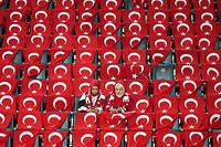 Des supportrices de l'équipe nationale turque à Istanbul le 11 octobre 2019.