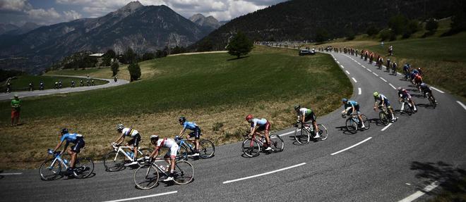 Le trace du Tour de France 2020 a ete presente par Christian Prudhomme. Son depart aura lieu le 27 juin 2020 a Nice et son arrivee a Paris le 19 juillet.