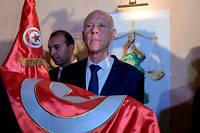 D'après deux sondages sortis des urnes, Kaïs Saïed est le nouveau président de la Tunisie.
