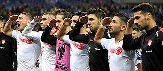 Les joueurs turcs avaient déjà fait le salut militaire contre l'Albanie, vendredi.