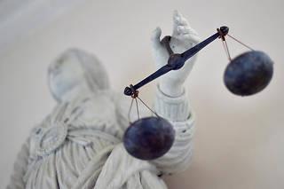 À quelques jours du procès d'assises où cet ancien du gang de la Brise de mer doit comparaître pour l'assassinat, en 2008, de Richard Casanova, Claude Chossat estime que sa sécurité et celle de sa défense ne sont pas assurées.