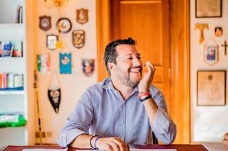 Matteo Salvini, sénateur et ancien ministre de l'Intérieur, dans le bureau du groupe de La Ligue au Sénat, à Rome, le 9octobre.  ©Lorenzo MOSCIA/ARCHIVOLATINO-REA