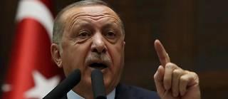 Erdogan ne souhaite pas négocier avec les combattants kurdes et les somme de déposer les armes.