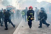 Pompiers contre policiers lors de la manifestation du 15 octobre 2019.