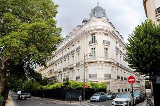 Jeffrey Epstein a passé beaucoup de temps à paris, dans cet immeuble du 16e arrondissement.
