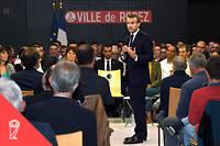 Le président Macron lors du débat sur les retraites à Rodez.
