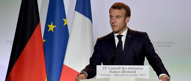 Emmanuel Macron lors d'une conférence de presse avec Angela Merkel, le 16 octobre, à Toulouse.