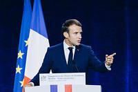 Emmanuel Macron a demande aux Francais d'etre vigilants face a << l'hydre islamiste >>.