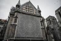 La Vierge du pilier, chef-d'œuvre sculptural du XIVe siècle, vénérée par les fidèles depuis des générations, est de nouveau accessible au public.