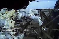 <p>Les astronautes américaines Christina Koch et Jessica Meir sont sorties pendant plus de sept heures vendredi ensemble de la Station spatiale internationale (ISS) pour effectuer une réparation.</p>