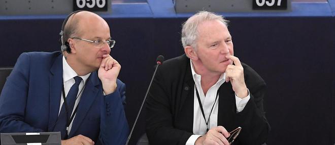 Bernard Guetta, a droite, au Parlement europeen le 2 juillet.