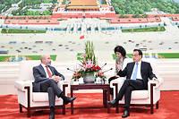 Les négociateurs chinois Li Keqiang et américain Evan Greenberg avancent lentement.