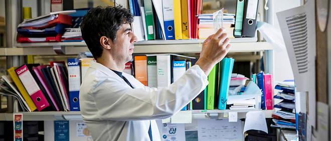 Valter Longo, gérontologue italo-américain et professeur de biologie, spécialise en biologie cellulaire et en génétique.