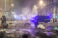 Selon le ministre de l'Intérieur espagnol, 128 personnes ont été interpellées depuis le début de la semaine.