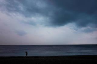 Le temps sera le plus souvent nuageux samedi, selon Météo-France. (Illustration)