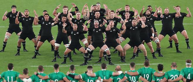 En quête d'une troisième couronne mondiale de rang, les All Blacks ont inscrit sept essais pour faire taire les sublimes supporteurs irlandais.
