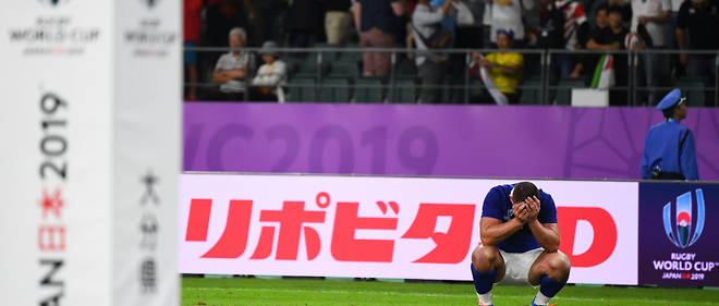 France's back row Louis Picamoles reacts after losing the Japan 2019 Rugby World Cup quarter-final match between Wales and France at the Oita Stadium in Oita on October 20, 2019. (Photo by GABRIEL BOUYS / AFP)