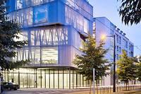 """<SPAN class=""""dflt-txt dflt-txt--lgnd g-gotham-book glbl-txt-alg-ctr"""">L'ENSA de Strasbourg inaugurera son laboratoire de simulationde lumière naturelle le 18octobre.</SPAN> ©Julien Lanoo"""