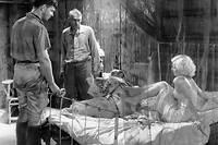 La Belle de Saïgon , de Victor Fleming (1932). En Indochine, le triangle amoureux entre le directeur d'une plantation, l'épouse de son ami et une aimable prostituée au charme magnétique... Grand drame érotique, avec Clark Gable et Jean Harlow.